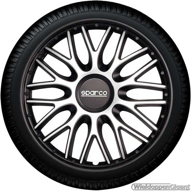https://www.wieldoppengigant.nl/mwa/image/zoom/WG21596AN-Wieldoppen-set-SPARCO-BARI-ARGENTO-NERO-zilver-zwart-15-inch.jpg