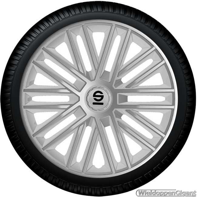 https://www.wieldoppengigant.nl/mwa/image/zoom/WG21685A-Wieldoppen-set-SPARCO-BERGAMO-ARGENTO-zilver-16-inch-SP-1685SV.jpg